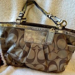 AUTHENTIC COACH SATCHEL ZIPPER TOTE 13026